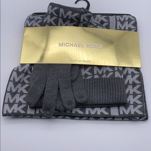 Michael Kors Woman's Hat, Gloves and Scarf Set